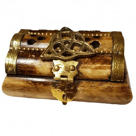 The triquetra bone chest has a metal clasp closure that can be locked with a small padlock.