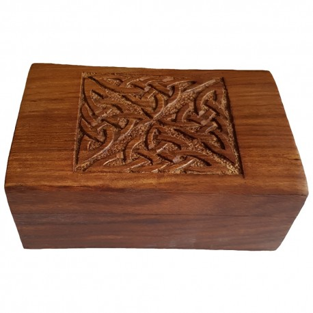 The inner raised lip of the Triquetra box hold the hinged lid firmly in place.